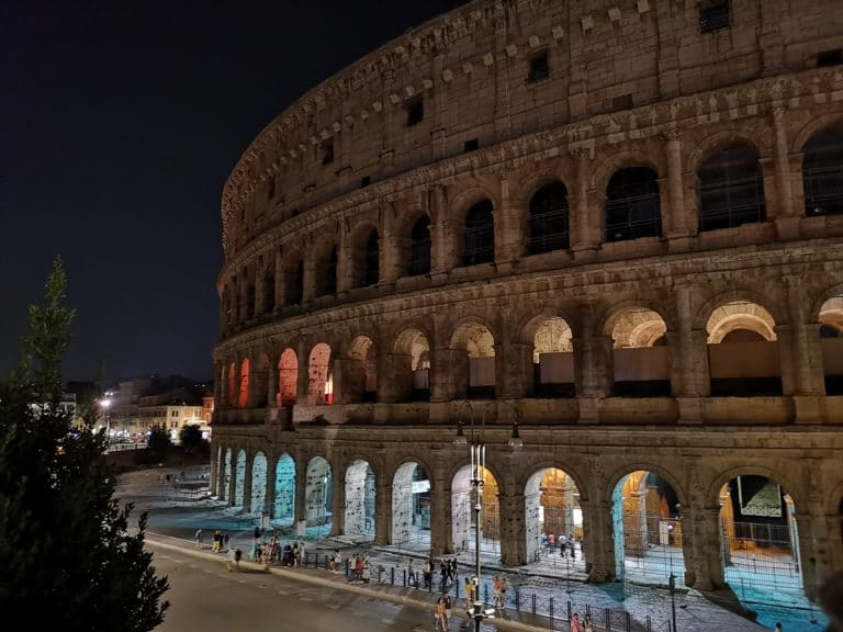 rome_travel_guide_colosseo